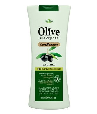 Organic Olive Oil and Argan Oil, Vitamins A and E. Panthenol contain antioxidants known for their hydrating and reconstructing properties.
