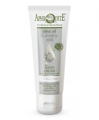 Created with love and care, our soothing hand cream regenerates the skin and soothes sensitivities problems like psoriasis or eczema.