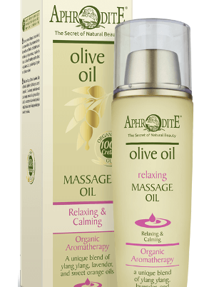 Pamper yourself with this organic, relaxing, and calming oil after an exhausting day to melt away stress.